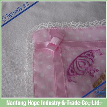 Cordón de algodón puro en pañuelo rosa, sensación de ensueño
