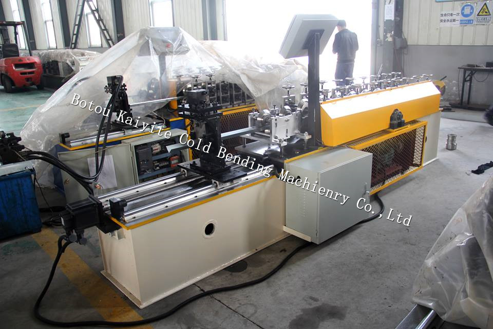 V shape stud and track roll forming machine