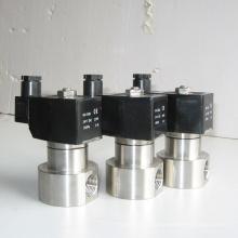 China hizo bajo precio de alta presión de acero inoxidable 304 316 BSP rosca válvula de solenoide de agua de conexión 12 V