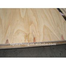 Contrachapado del pino de la construcción de la alta calidad (12.0 * 1220 * 2440MM)
