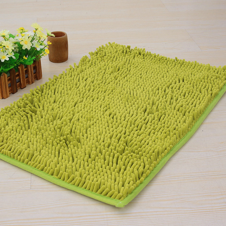 Add A Layer Of Comfort To Your Bathing Ritual With This Microfiber Noodle Bath  Rug. It Is The Basic Bath Rug In Green Color. Itu0027s Is Machine Washable For  ...