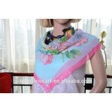 Neueste modische Blume gedruckt quadratischen Schal und heißer Verkauf Schal