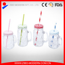 Embossed Clear 16oz Drinking Mason Jars Mug Venta al por mayor caliente Glass Mason Jars con tapa de paja