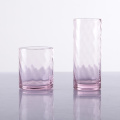 Verres à boire HB en verre rose avec eau de rose