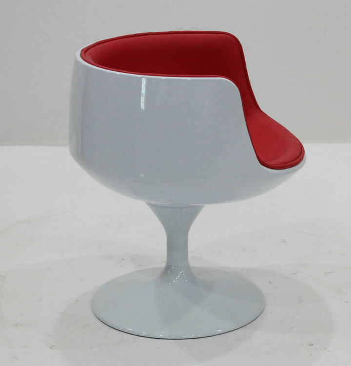 Fibreglass cup chair