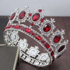 Coronas de reina con grandes chapas de cristal chapadas en oro