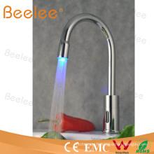 Mélangeur automatique de cuisine de sonde de robinet de cuisine de LED Qh0108f