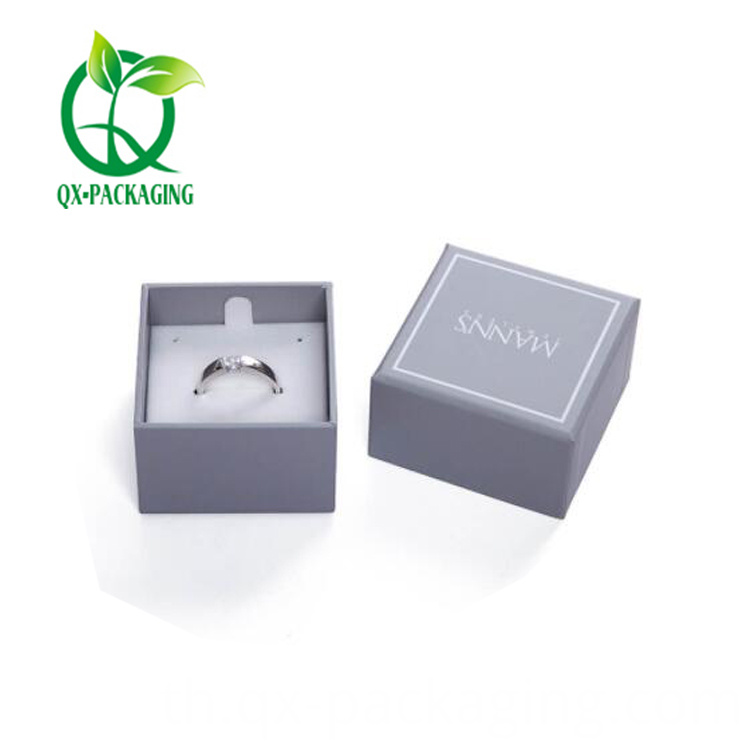 Jewelry retail packaging