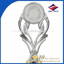 2017 especial design troféu de plástico de qualidade superior atacado