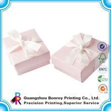 Großhandels gedruckte faltbare aufbereitete überzogene rosa Papiergeschenkboxen mit Band