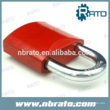 cadeados coloridos de pintura vermelha