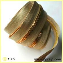 Metallic Colored Gold Teeth Plastic Chain Zipper