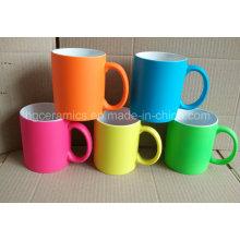 Tasse en céramique de peinture en caoutchouc, tasse en caoutchouc de couleur de néon de peinture