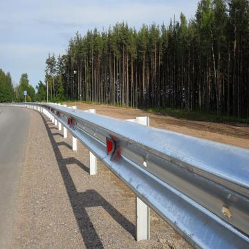 verzinkte Leitplanken Sicherheitsautobahn Barriere Zaun