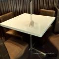 chaises et tables de restaurant en acrylique blanc pour restaurant