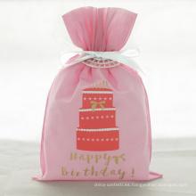 Bolsa de regalo de cumpleaños con cordón de pastel rojo