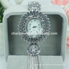 Neuer Entwurfs-elegante Luxuxquarz-Legierungs-Armbanduhren für Frauen B026