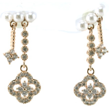 Nuevo diseño para la joyería de plata del pendiente 925 de la perla de la mujer (E6541)
