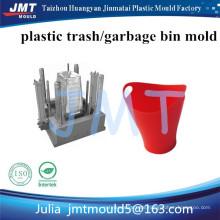 Plastikmülldose mit Rädern