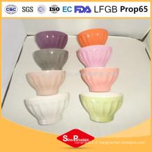 Le bol à pied en céramique classique de 5 pouces le plus vendu avec des bandes concaves pour BS12041