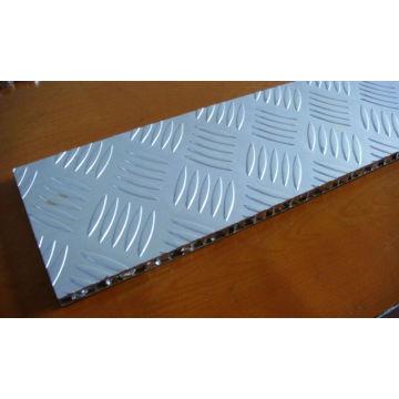 Нескользящие алюминиевые сэндвич-панели для этажа