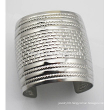 Wide women Vintage silver opened cuff Bangles