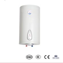 Chauffe-eau électrique chaud fixé au mur de salle de bains avec le thermomètre avec la coupe thermique