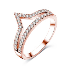 Female CZ Diamond V Shape Chevron Jewelry Ring (CRI01017)