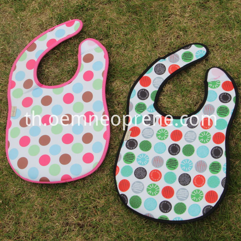 Neoprene toddler bibs