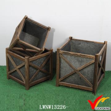 Antiguo zapato de madera interior de madera de jardín