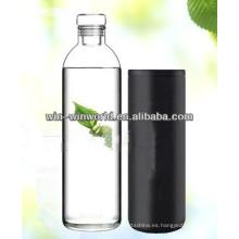 Botella de agua aislada italiana de cristal de boca ancha con el tapón