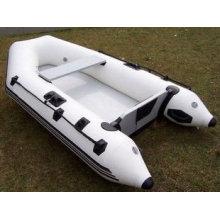 Barcos de pesca bote inflable en chia