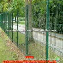 Revestimiento de inmersión soldada triangular curvado valla de malla de alambre