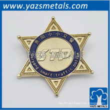personalize as espeltas de uniforme de metal