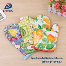 Promotion christmas gift 100% cotton kitchen towel glove oven mitten pot holder set