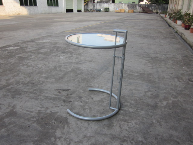 Eileen Gray End Table Stół regulowany