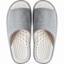 Sandalias silenciosas del dormitorio del hogar del verano
