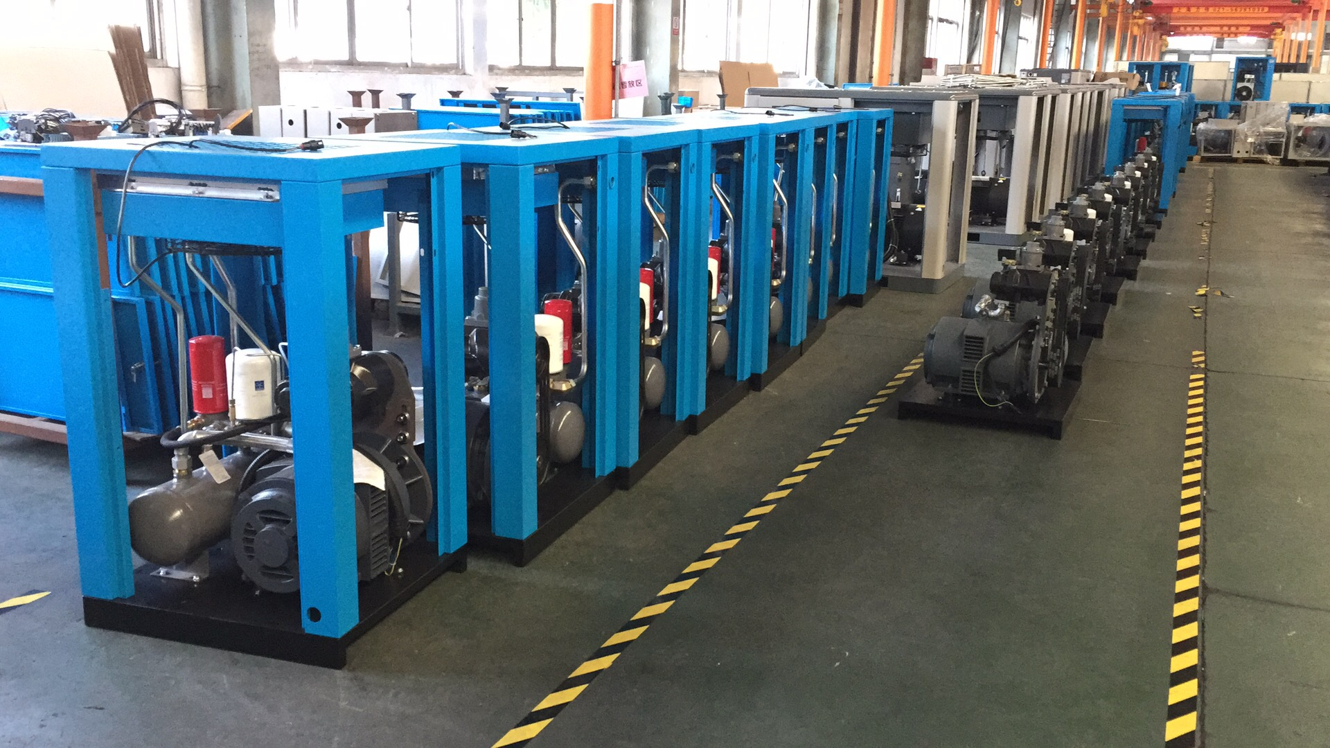 hongwuhuan screw type compressor workshop