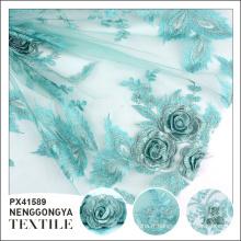 Conception personnalisée Différents types de fleur de tissu de broderie de polyester tricoté