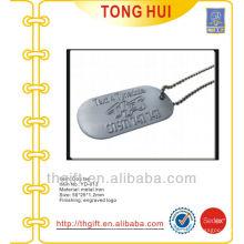 Étiquettes de chien en métal pendentifs collier w logo surélevé