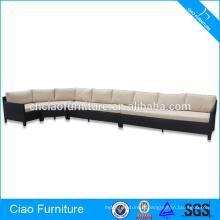 Sofa de rotin extérieur de meubles de jardin mis avec le coussin confortable forme de J