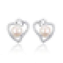 Women′s Elegant 925 Sterling Silver Inlaid Freshwater Pearl Heart-Shaped Earrings