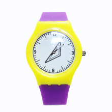 2016 Popular Silicone Quartz Women Wristwatch