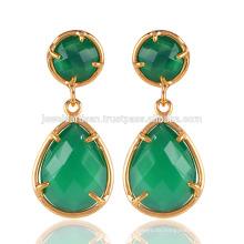 Schöne grüne Onyx glatte Bezel runde u. Birnenform 18K Gold überzogener Messing-Tropfen-Ohrring