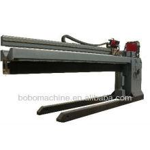 Automatic straight seam welding machine for barrel, drum
