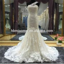 Suzhou fábrica fornecer um laço de ombro frisado sereia vestido de noiva de renda com trem longo