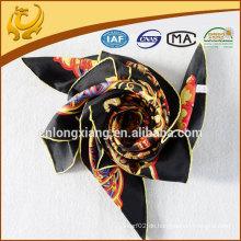 2015 neueste kundenspezifische Entwurf druckte Zwillingsseide Schal