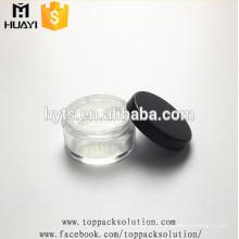 pot en poudre de forme ronde avec tamis
