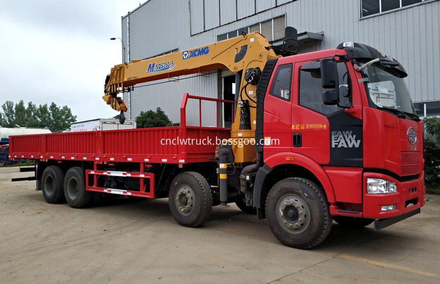 boom truck mounted crane 2