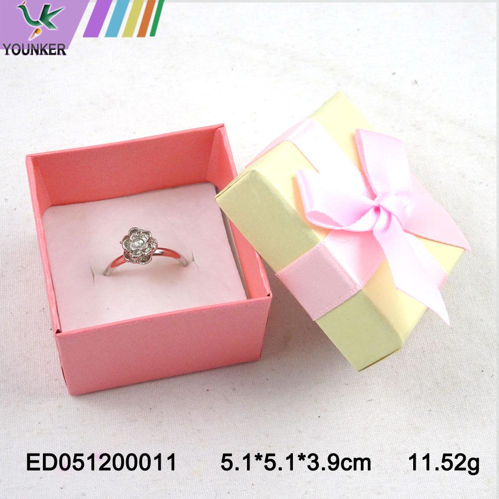 Elegant Ribbon Ring Boxes 008